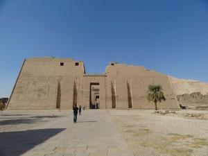 Abertura Superior (Portal) no templo de Medinet Habu - Acervo pessoal.