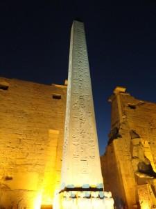 Obelisco no templo de Luxor - Acervo pessoal.