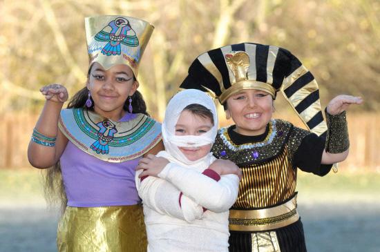 Crianças do St Peter's CE First School em londres fizeram uma viagem de volta ao Antigo Egito com um dia de atividades temáticas. O dia […]