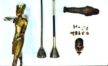O arqueólogo egípcio Salah Mohamed encontrou hoje uma mala no metrô do Cairo que continha quatro peças do túmulo do faraó Tutankamon, antiguidades que tinham […]
