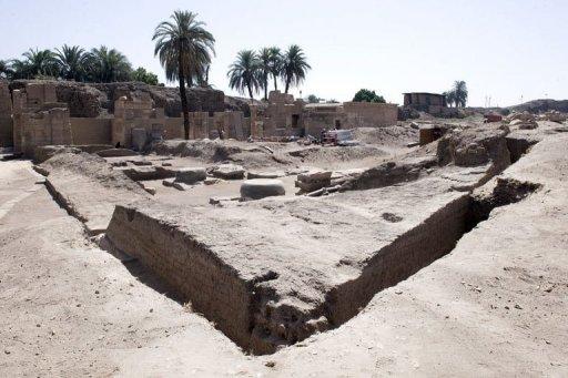 Arqueólogos egípcios e franceses desenterraram um portão de pedra de 2.700 anos de idade pertencentes ao Rei Núbio Shabaka ao escavarem perto do templo de […]