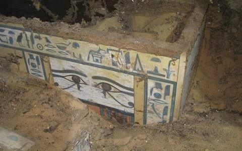 Arqueólogos espanhóis descobriram um sarcófago contendo os restos mortais de uma antiga nobre com o nome de Sattjani, que remonta à 12ª dinastia no Médio […]