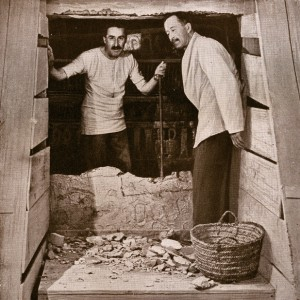 howard-carter-lord-carnarvon-tutankhamun-tomb-opening