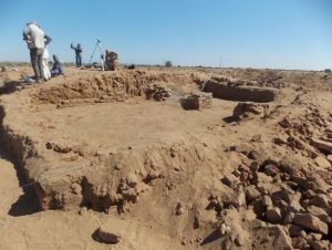 Excavating-the-site-of-Abu-Erteila